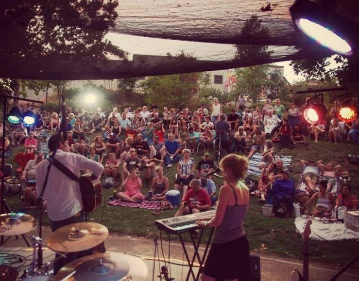 Music on the Green 2015, Bootstrap Circus